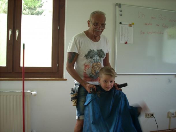 SOS Kinderdorf Moosburg Haare schneiden 3.7.2018